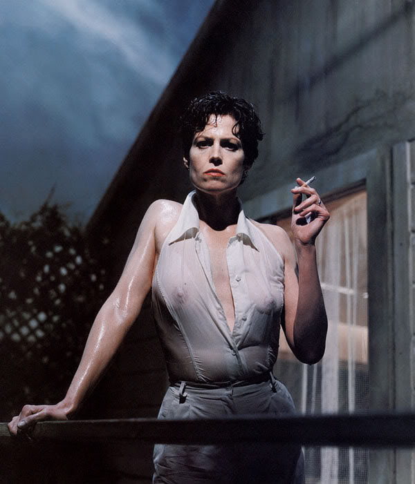 Helmut Newton Foundation © Sigourney Weaver Vanity Fair, 1995