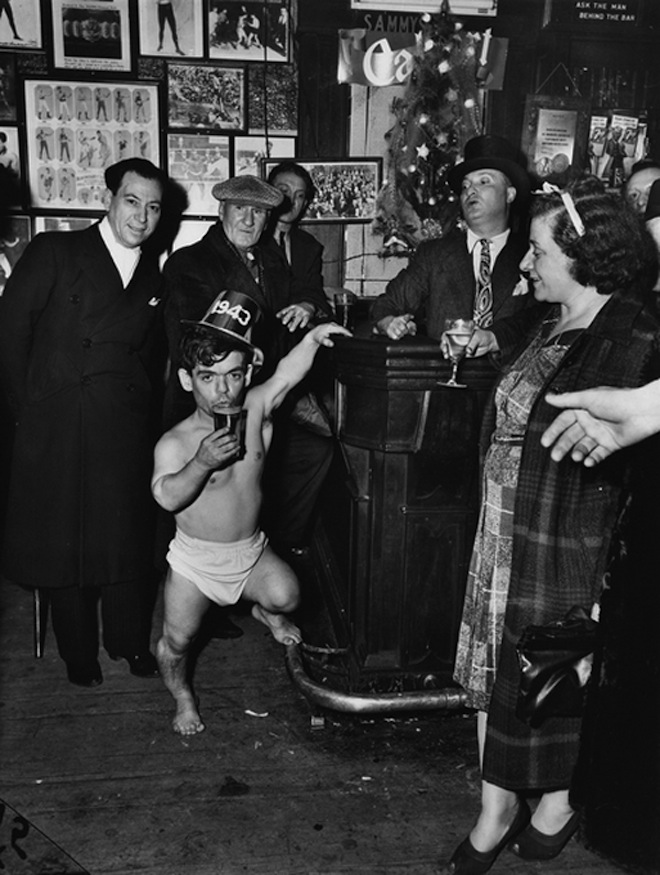 Weegee, New Year's Eve at Sammy's-on -the-Bowery, 1943