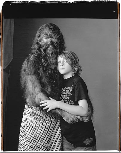 "Mary Ellen Mark © Polaroid 20x24"" Robert Downey, Jr. Con su hijo"