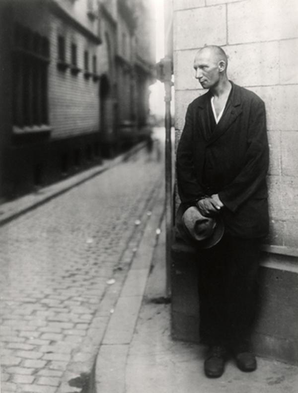 August Sander, 1928 Mendigo