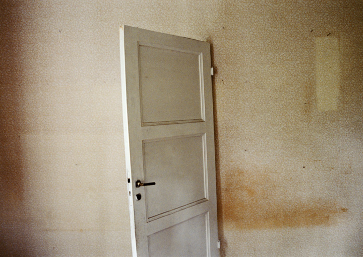 Anni Leppälä © From the series Seedlings, (Door), 2004