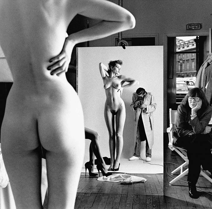 Helmut Newton Foundation © 1981 Selfportrait with Alice Springs and model